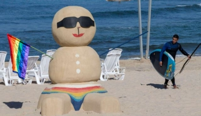 South beach warms welcomes gay travelers